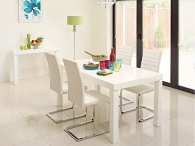 Morano Dining Table & 4 Alcora Chairs