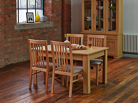 Hampshire Extending Dining Table & 4 Chairs