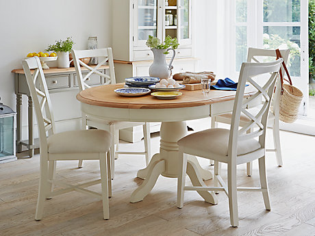 Cargo Hartham Round Dining Table And 4 Wooden Chairs